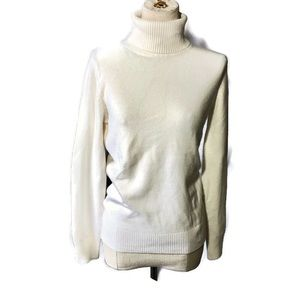 French Connection L ivory turtleneck